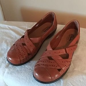 Clark's bendables womens leather shoes 8.5